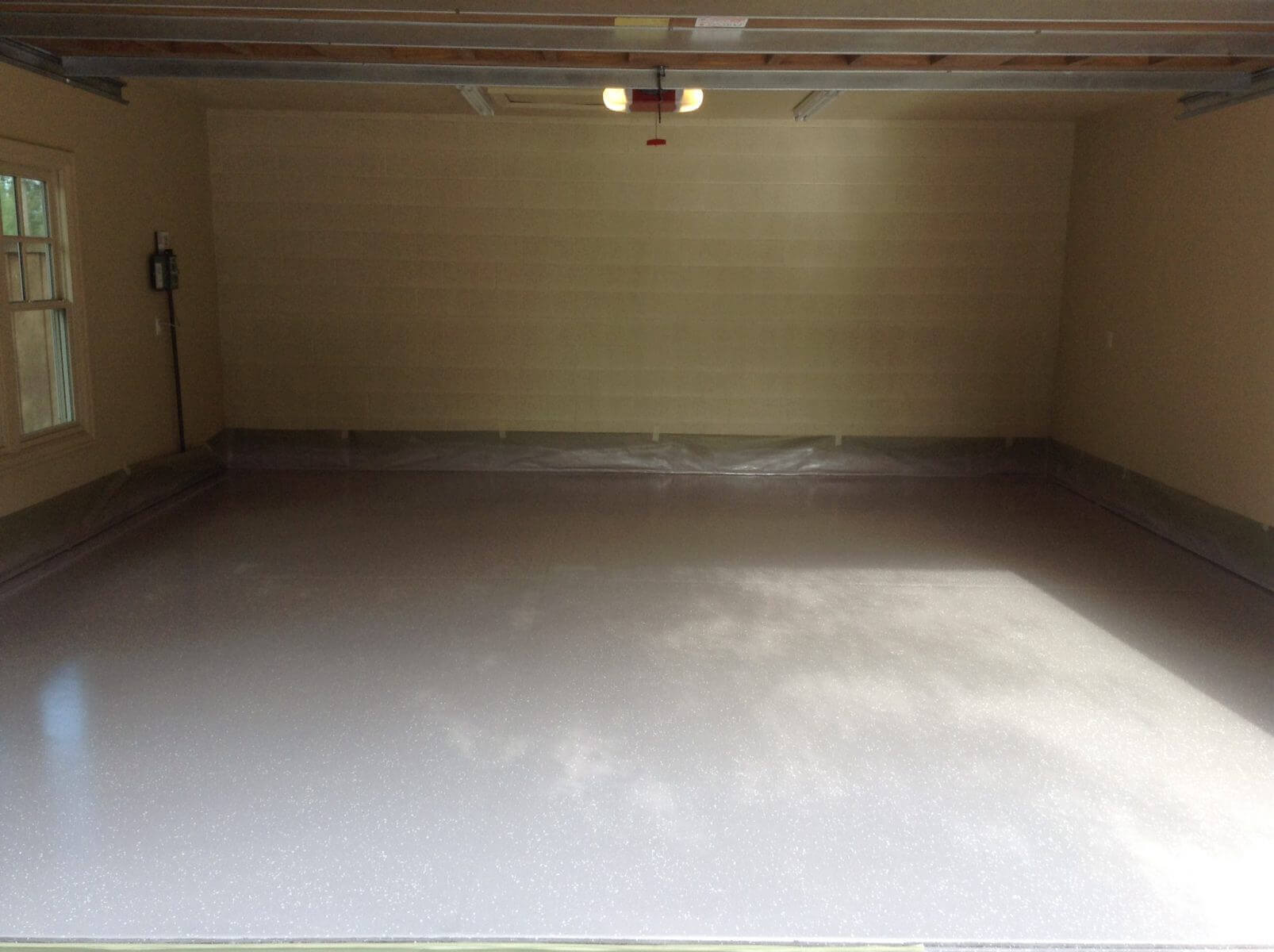 Saint george epoxy flooring and coatings in southern utah epoxy dolphin gray garage floor with white chips solutioingenieria Gallery