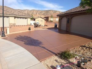 Thatch Brown Solid Color Stained Driveway