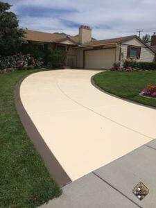 Wheat/Thatch Brown Solid Color Stained Two-Tone Driveway