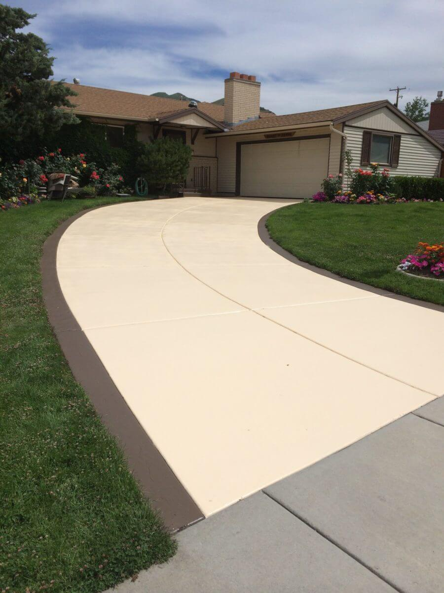Wheat Thatch Brown Solid Color Stained Two Tone Driveway