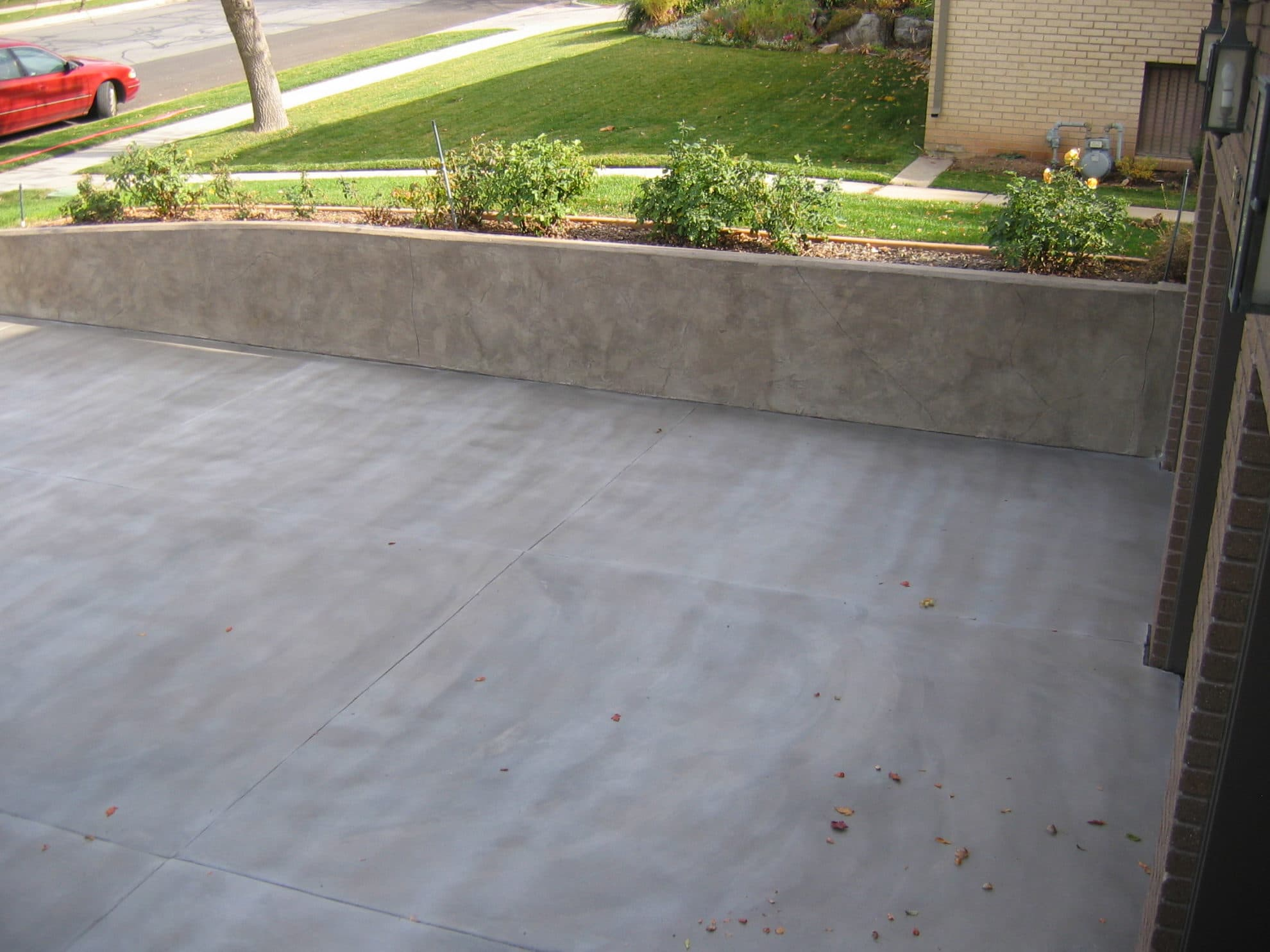 Driveway Gray Overlay Smooth Finish | Concrete Design