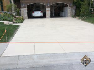 Bone Color Stained Driveway