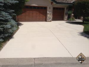 Bone Solid Color Stained Driveway