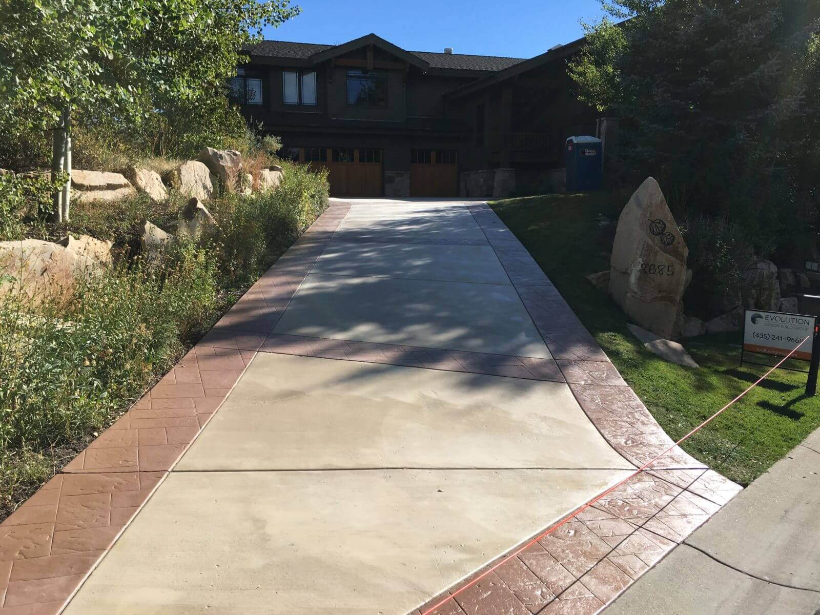 Two Tone Color Stained Driveway 1 Concrete Design